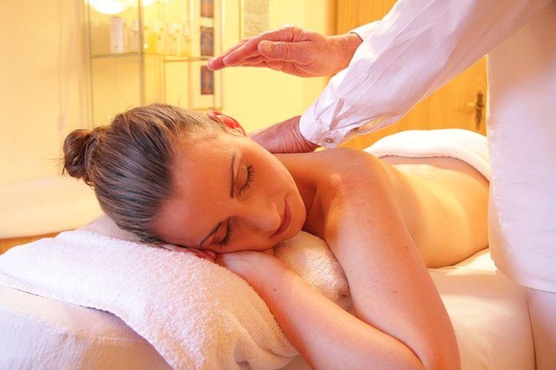 Ajurvedska masaža pomaga odpraviti utrujenost in aktivira samozdravljenje